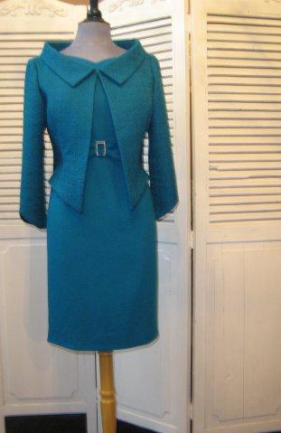 jurk met gesp-detail en kanten jasje
